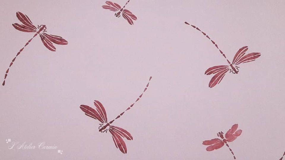 Détail pochoir libellules
